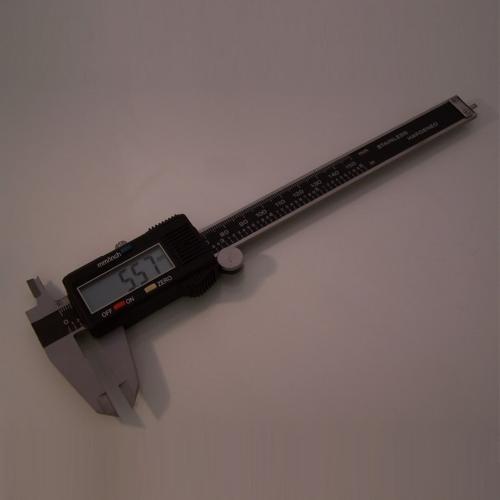 DM-8305